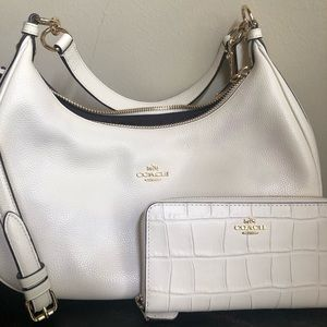Winter white couch bag and billfold Pair